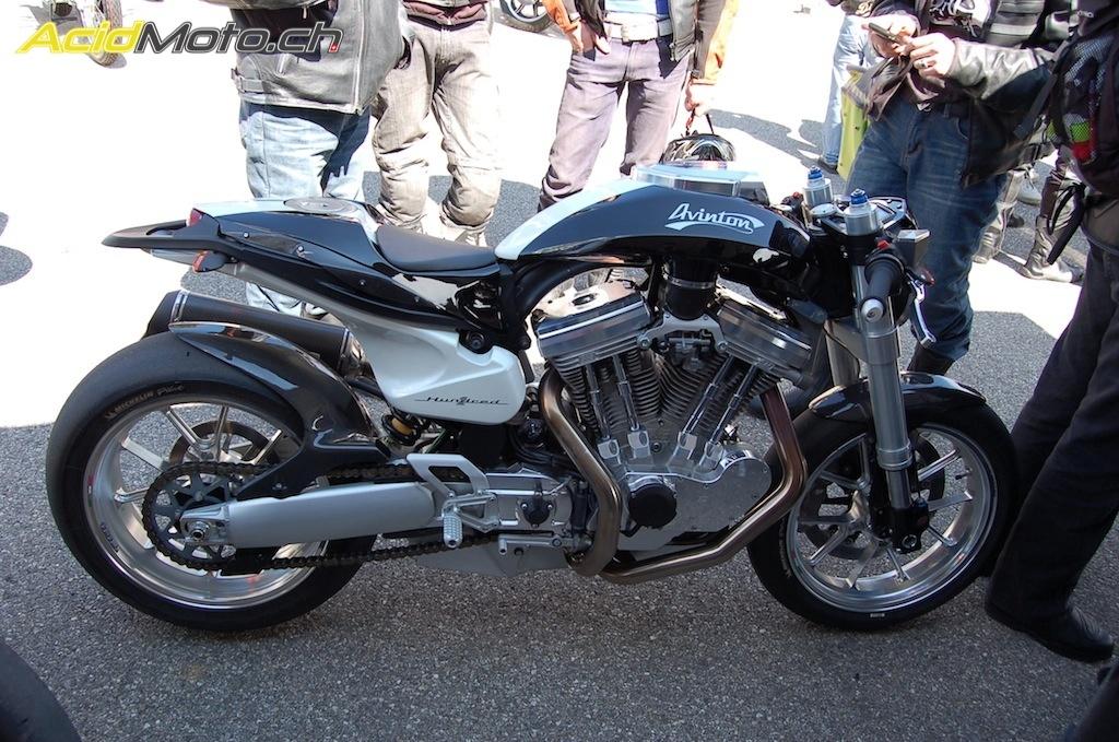 pr sentation du caf racer avinton lors de l 39 v nement moto de l 39 ann e 2012 le. Black Bedroom Furniture Sets. Home Design Ideas