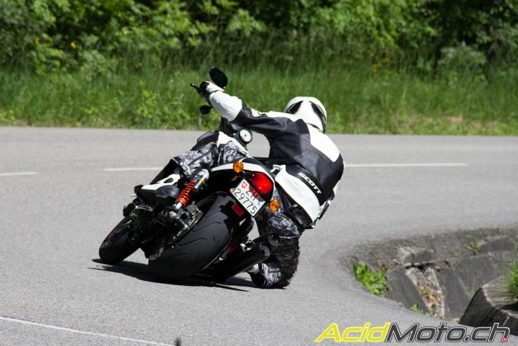 Presentation  Harley-sportster-1200-1728