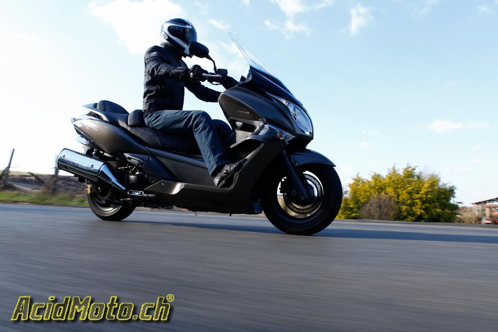 honda sw t 600 scoot au long cours le site suisse de l 39 information moto. Black Bedroom Furniture Sets. Home Design Ideas