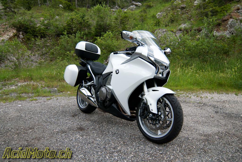 Honda VFR1200 - « The Transformers » » AcidMoto.ch, le site suisse de l'information moto