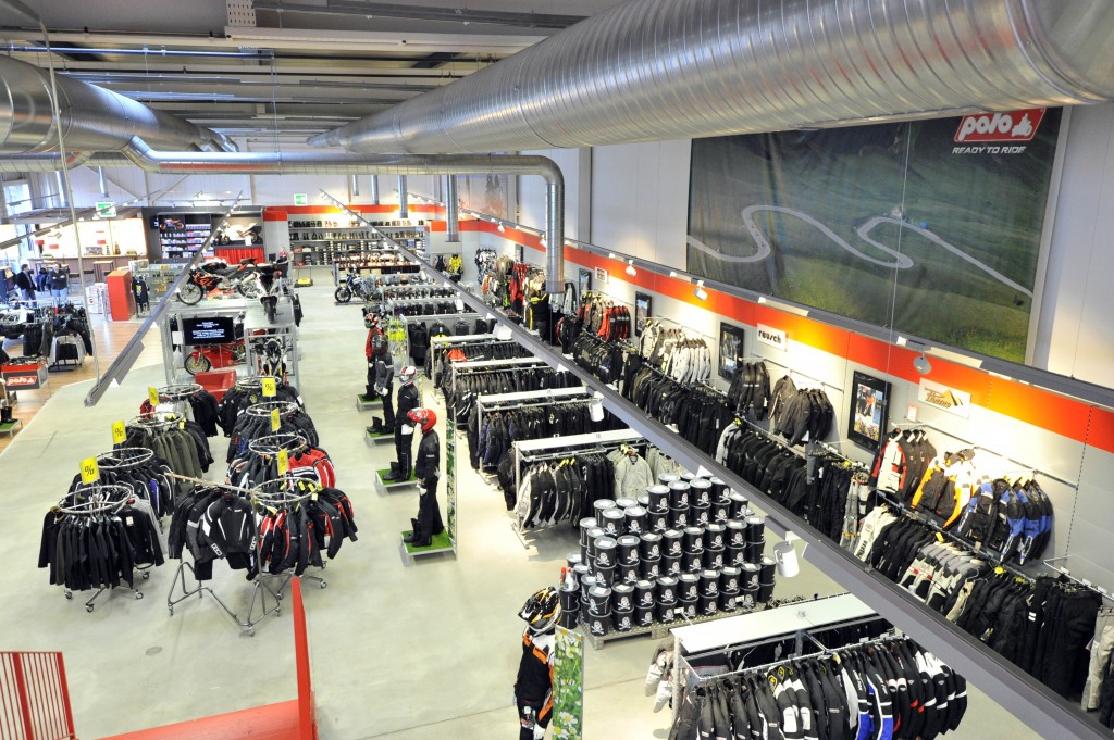 polo moto c 39 est fini le site suisse de l 39 information moto. Black Bedroom Furniture Sets. Home Design Ideas