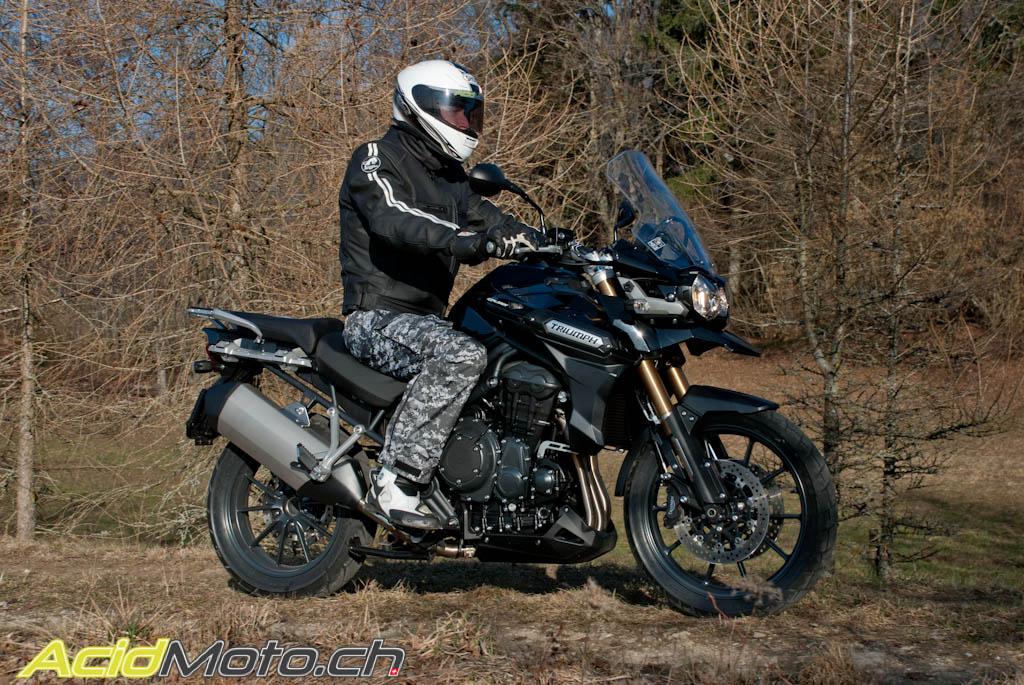 triumph tiger explorer 1200 le tigre est l ch le site suisse de l 39 information. Black Bedroom Furniture Sets. Home Design Ideas