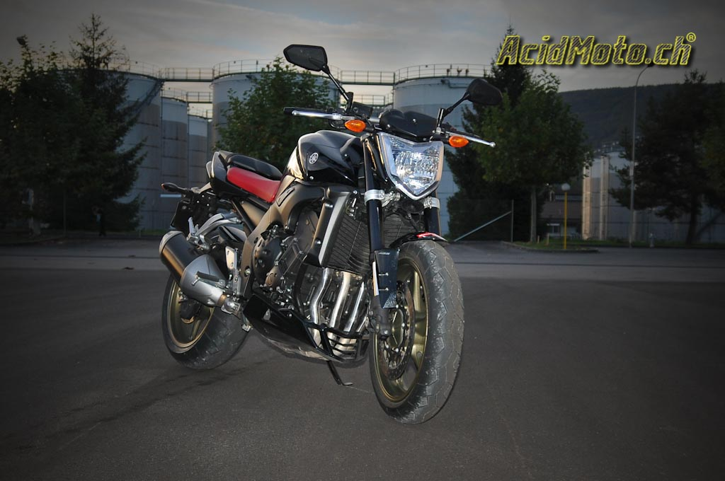 yamaha fz1 na le roadster au coeur de r1 le site suisse de l 39 information moto. Black Bedroom Furniture Sets. Home Design Ideas