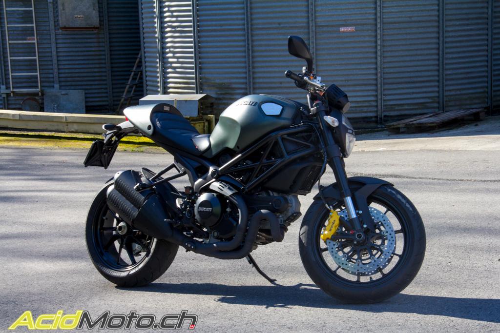 Ducati Monster 1100 Evo Diesel - Ne fuyez pas, elle tourne ...