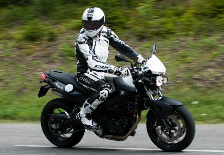 un motard responsable est un motard qui s 39 quipe correctement le site suisse de. Black Bedroom Furniture Sets. Home Design Ideas