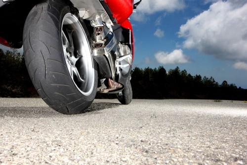 metzeler roadtec z8 interact o le pneu bi gomme pour les routi res le site. Black Bedroom Furniture Sets. Home Design Ideas