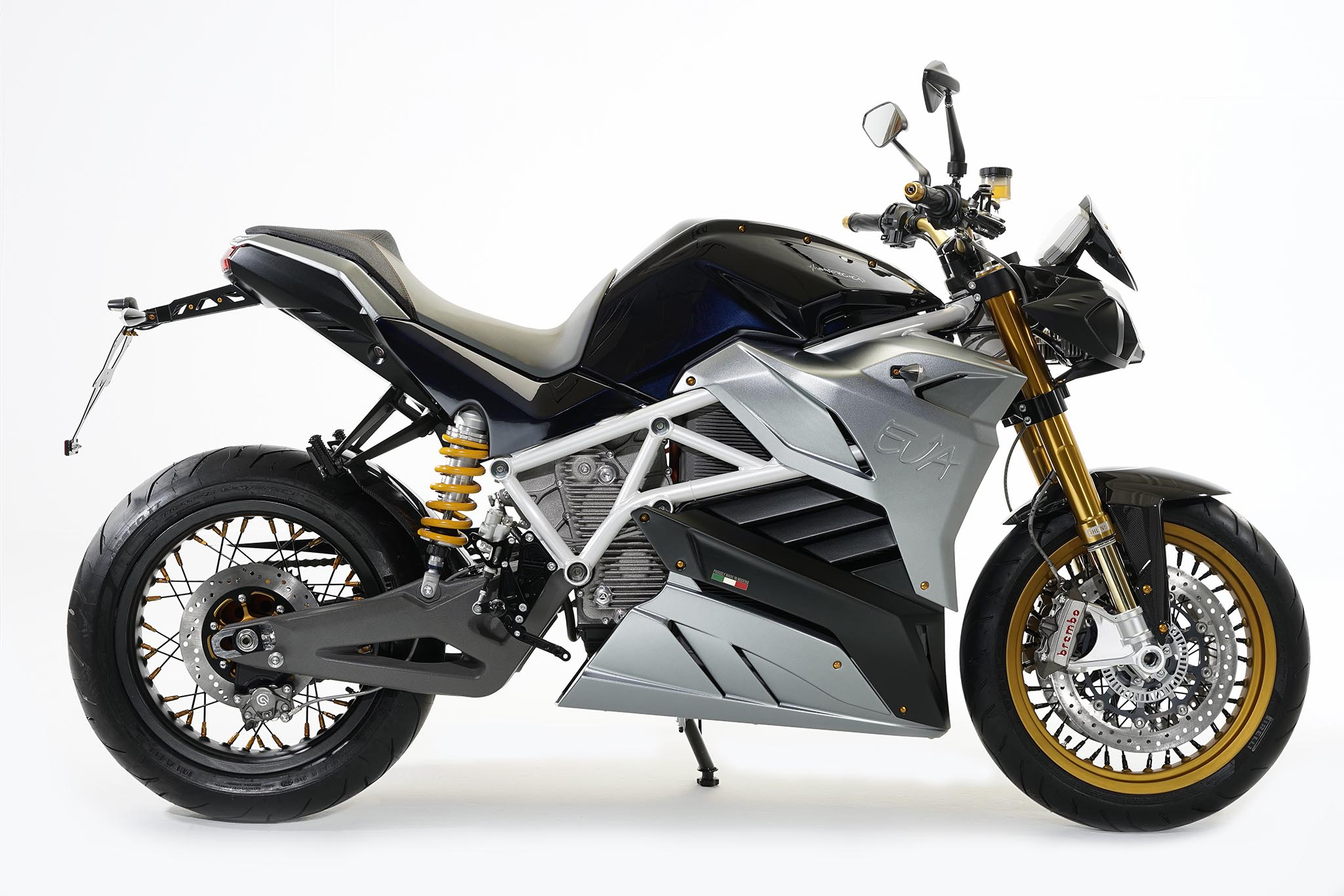 swiss moto 2016 energica pr sentera son roadster eva le site suisse de l. Black Bedroom Furniture Sets. Home Design Ideas