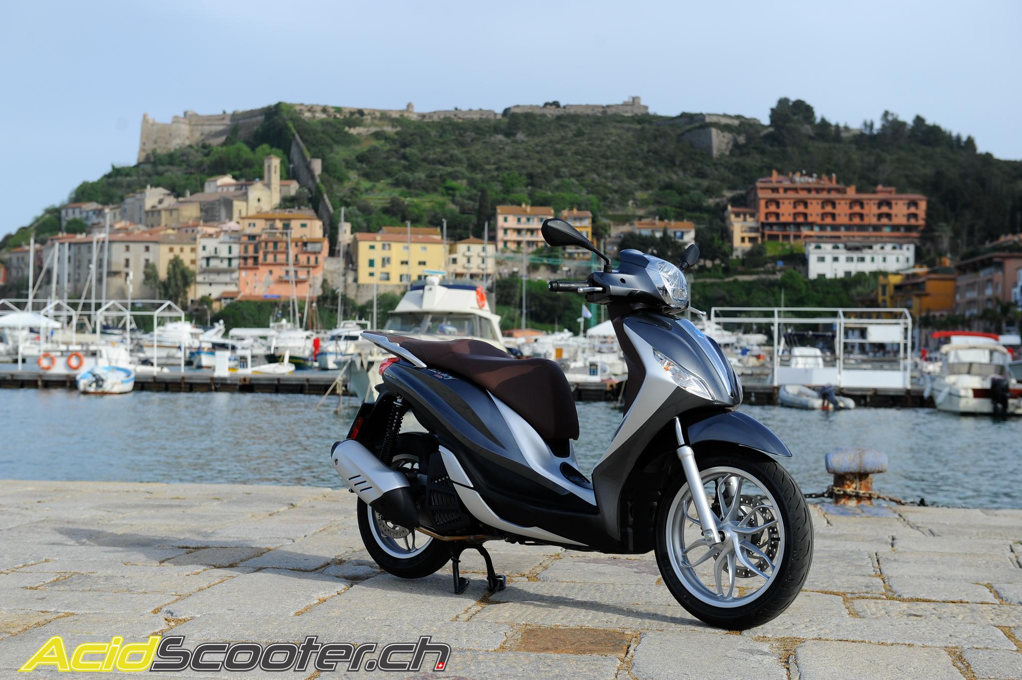 essai du nouveau scooter piaggio medley 125 le site suisse de l 39 information moto. Black Bedroom Furniture Sets. Home Design Ideas