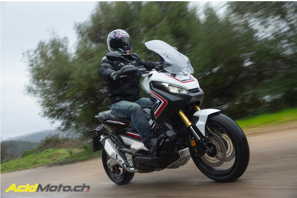 56f5028bf40eb Essai Honda X-ADV - Un savant mélange des genres » AcidMoto.ch, le ...