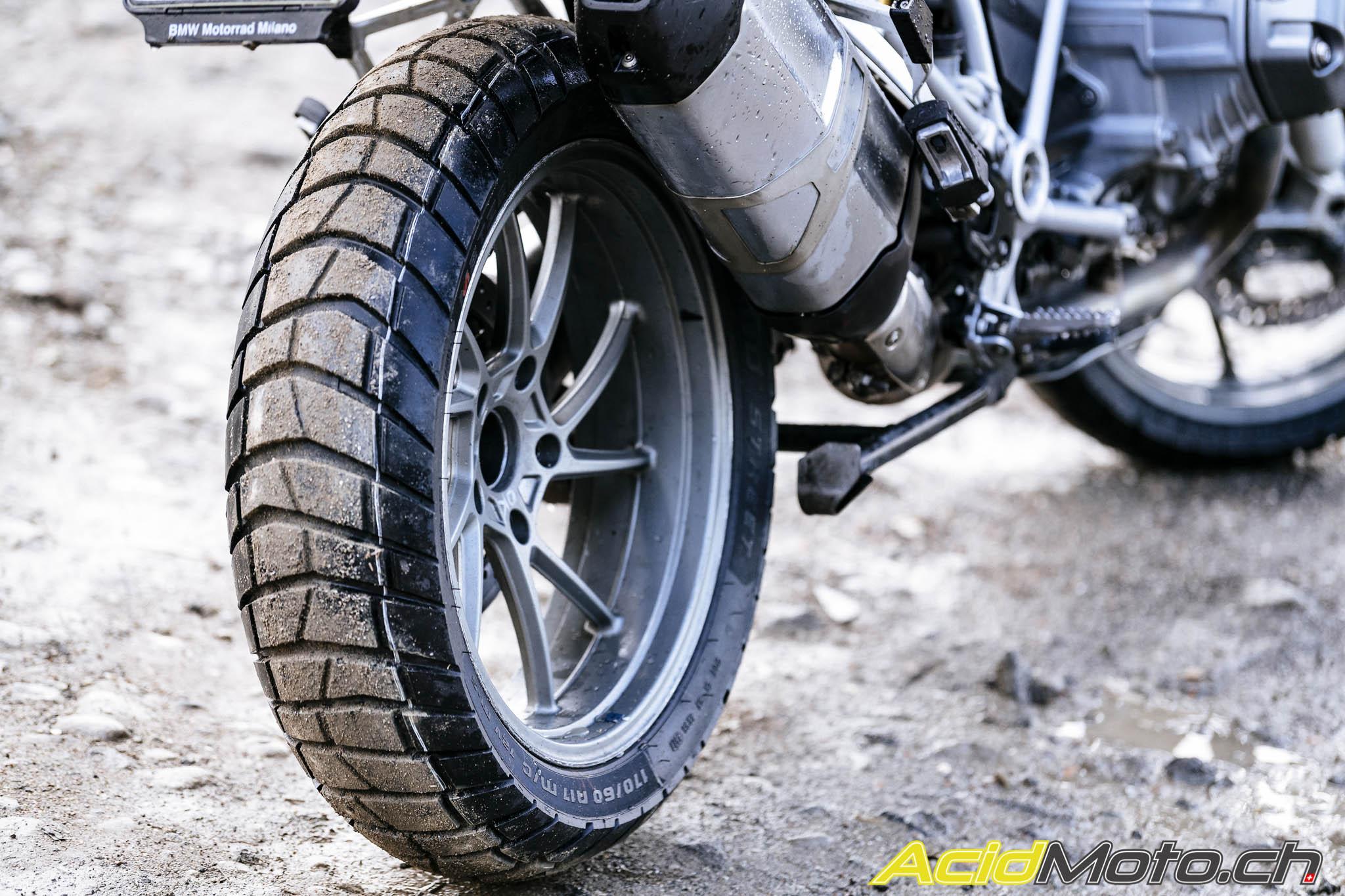 Pneu moto tout terrain