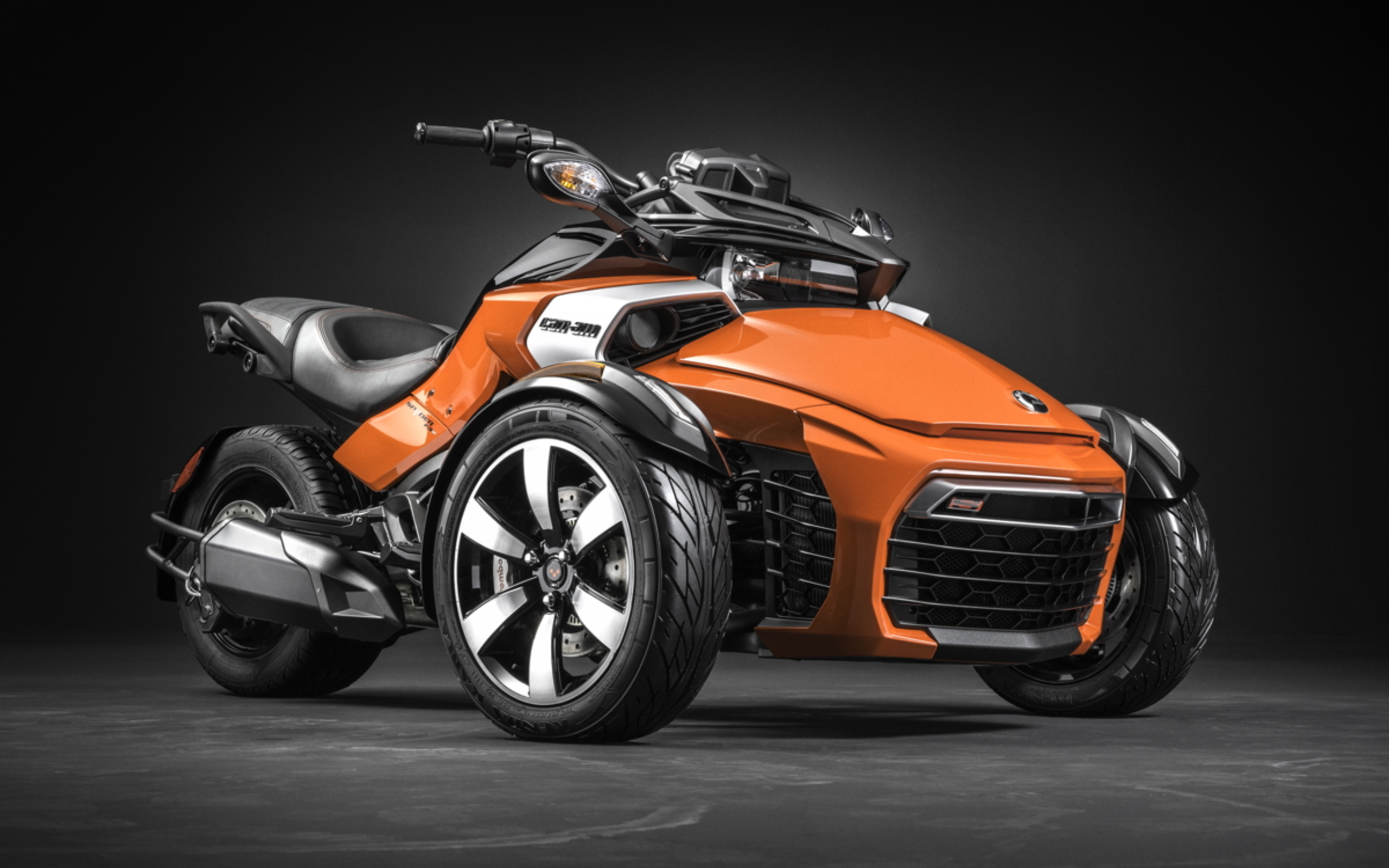 can am spyder f3 un nouveau tricycle au catalogue 2015 le site suisse de l. Black Bedroom Furniture Sets. Home Design Ideas