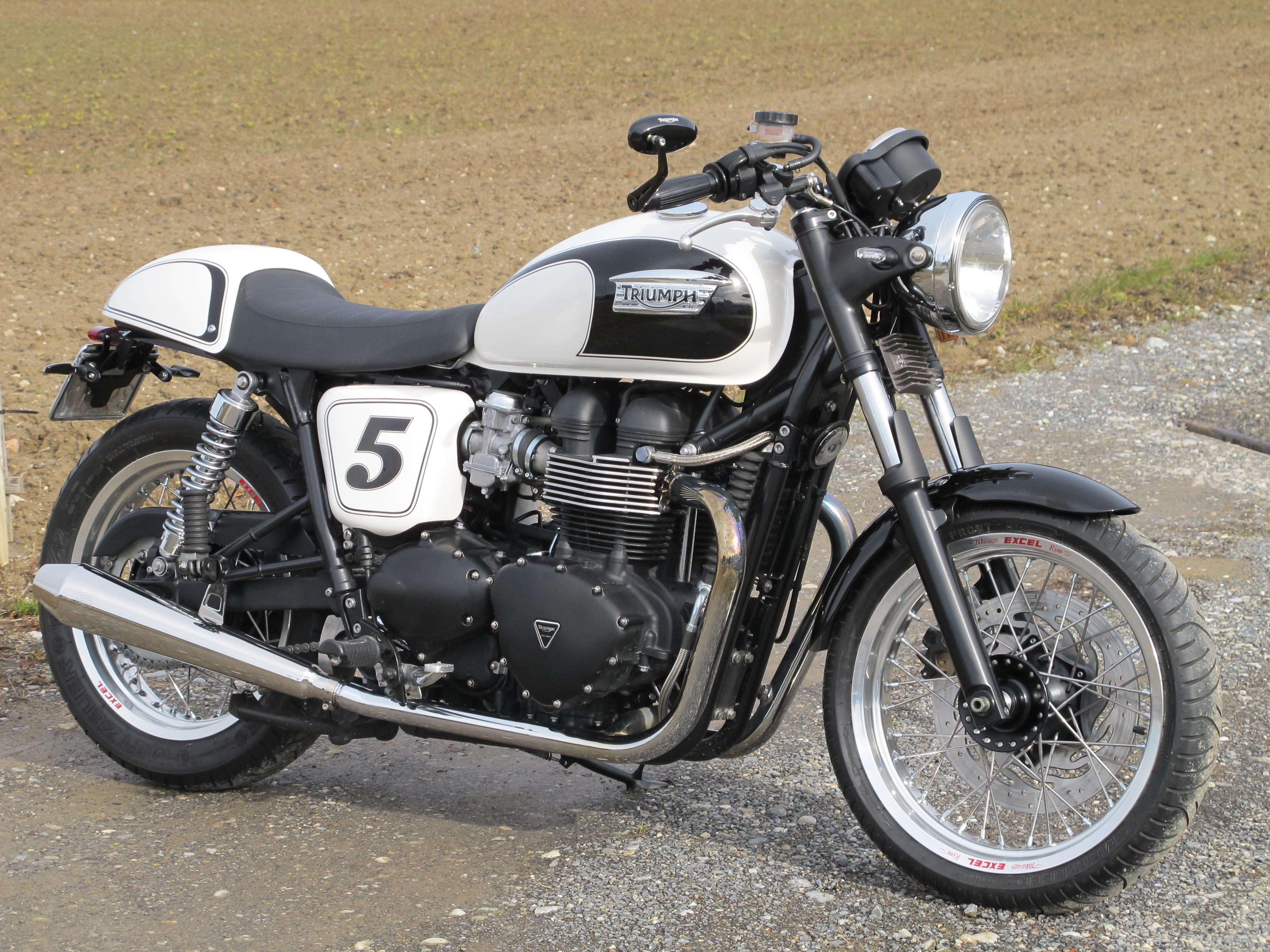 triumph bonneville se caf racer by inter motos. Black Bedroom Furniture Sets. Home Design Ideas