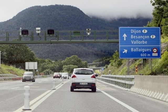 un radar de tron on pour l 39 autoroute a9b entre orbe et ballaigues le site suisse. Black Bedroom Furniture Sets. Home Design Ideas
