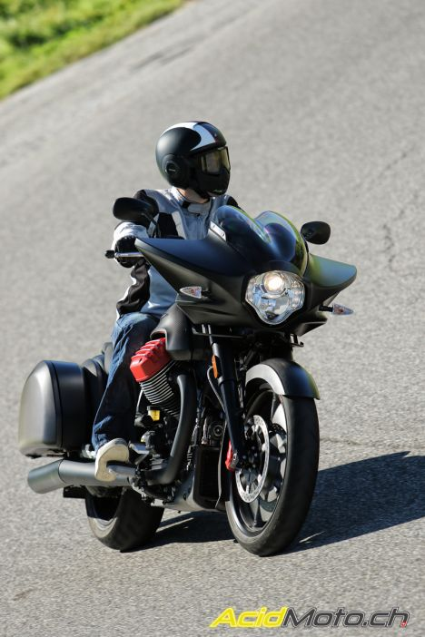 essai moto guzzi mgx 21 2016