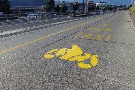 A Genève plusieurs associations se mobilisent pour la mobilité des deux-roues motorisés