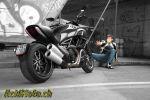 Ducati Diavel – Le Diable s'habille en carbone
