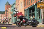 Essai Moto Guzzi MGX-21 - Elle cache du fun en fibre de carbone