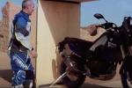 Yamaha Ténéré 700 World Raid épisode II - Stéphane Peterhansel à l'assaut des dunes du Maroc
