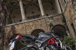 Les MV Agusta Brutale 800 RR et Dragster 800 RR font le show en Toscane, le temps d'un essai