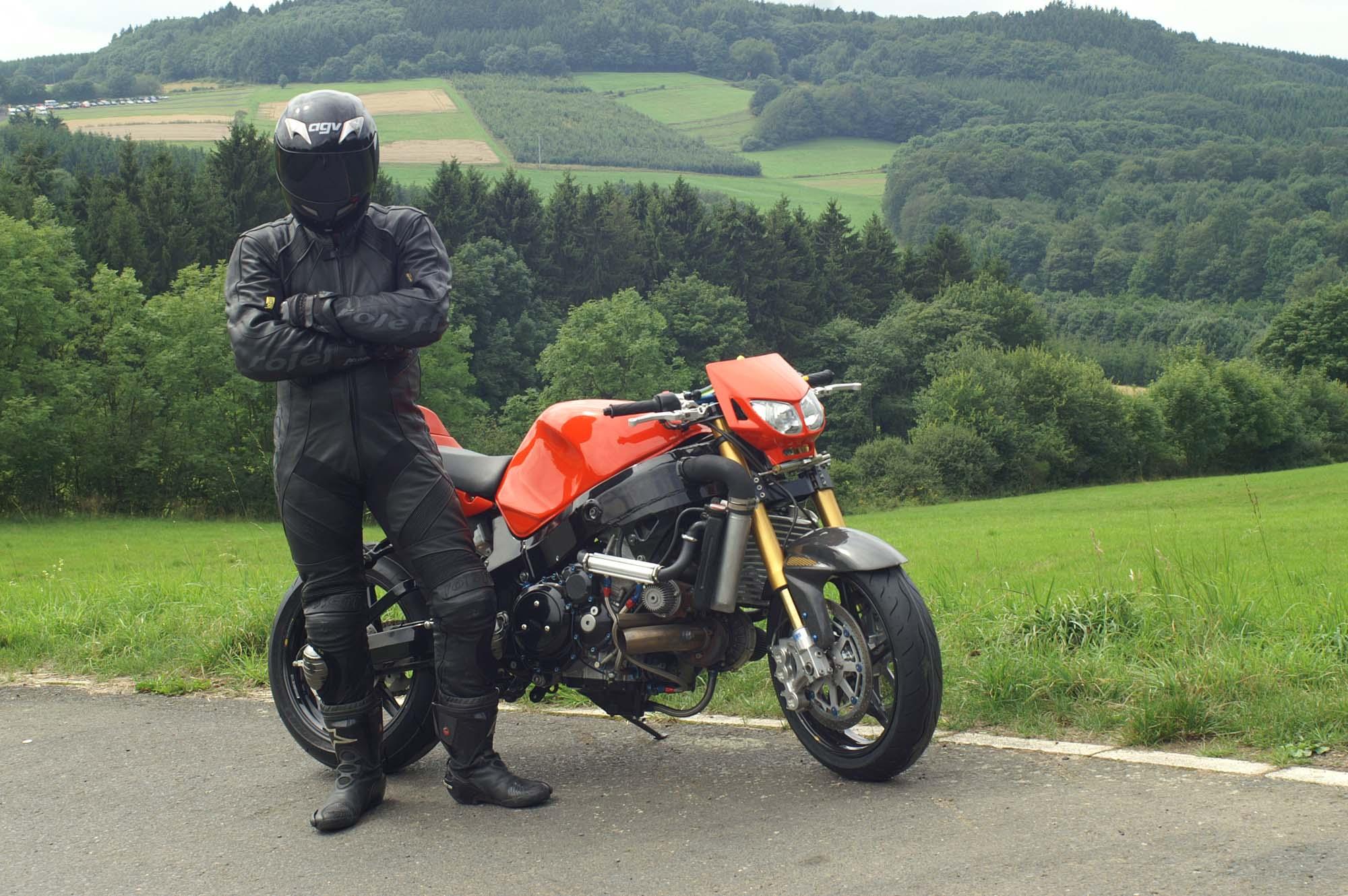 La Suzuki Hayabusa turbo de Ghost Rider    à gagner! » AcidMoto ch