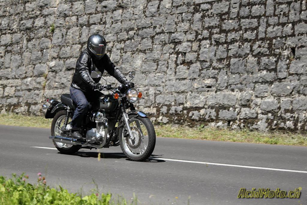 Kawasaki W800 La Belle époque Acidmotoch Le Site Suisse De L