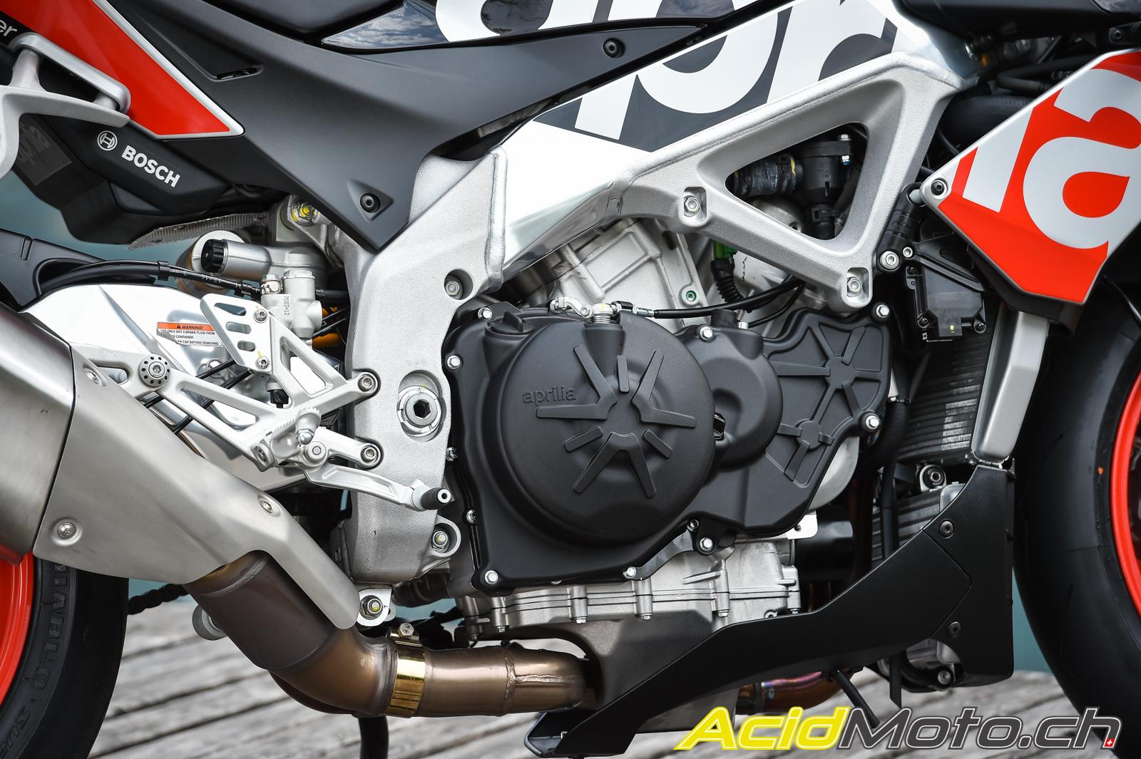 """Résultat de recherche d'images pour """"moto Aprilia Tuono V4 1100 Factory"""""""