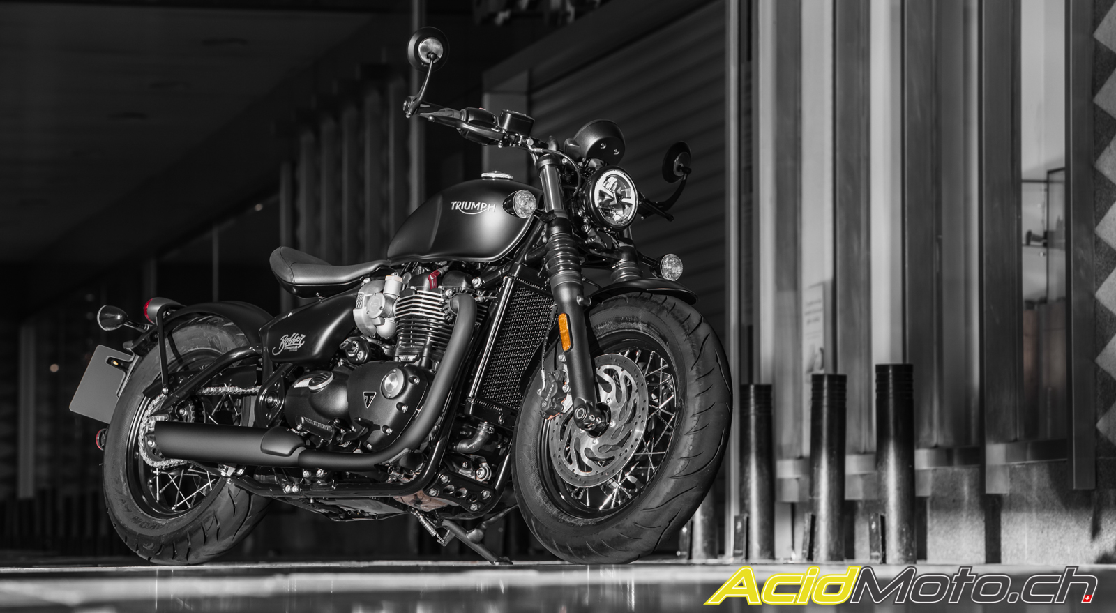 Essai Triumph Bonneville Bobber Black Back In Black Acidmoto