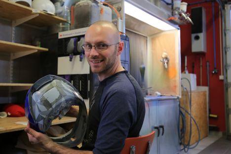 Casques « PonPon » replica chez Marty Design (+vidéo) Marty_design_francois_poncet_ponpon-hjc-8