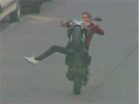 Un conducteur de scooter passe par la case prison pour des wheelings Wheeling_senart