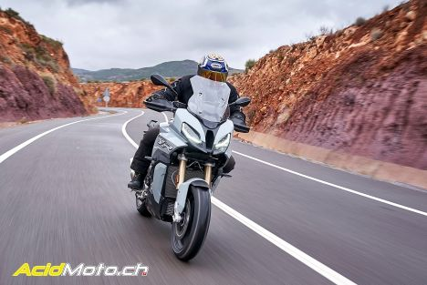 Essai BMW S1000XR 2020 – Invitation au voyage (rapide)