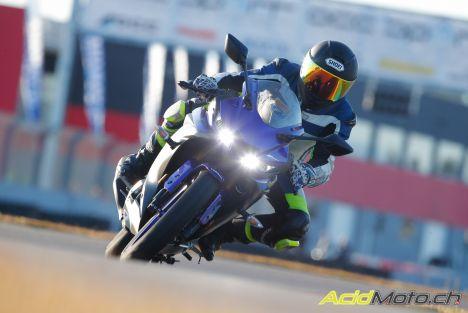 "Essai Yamaha R125 2019 à Valencia - Papy s'éclate avec baby ""R"""