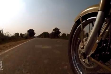 Road Trip to Rajasthan – Lolo Cochet traverse l'Inde à dos de Royal Enfield