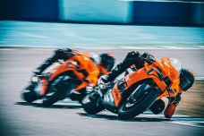 La KTM RC 8C signe le retour du constructeur sur le marché des sportives, mais sur la piste uniquement !
