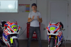 Quelles différences entre une GSX-R1000R stock, Superstock et Superbike ? Sylvain Guintoli nous apporte la réponse