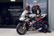 TT 2019 - Peter Hickman va s'aligner sur une Triumph Daytona 675