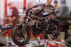 """Les apprentis de Louis Moto présente une Kawasaki Z125 """"Azubi Bike"""""""