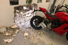 Un garage Ducati victime d'un vol des plus audacieux