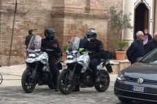 La nouvelle Suzuki DR 1000 prise en flagrant délit de roulage