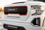 Des pick-ups GMC Sierra aux couleurs de Harley-Davidson