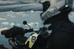 L'aventurier Mike Horn teste la Husqvarna Norden 901 en Islande