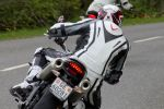 KTM Duke 690 vs Triumph Street Triple R - 1 + 3 = FUN!