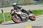 Essai Aprilia Tuono V4 1100 RR et Factory - Roadster superlatif? C'est ce qu'on verra!