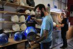 Série limitée de casques « PonPon » replica chez Marty Design : des heaumes et des hommes