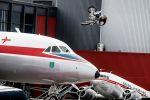 Mat Rebeaud joue à saute moutons avec les avions du musée de Lucerne